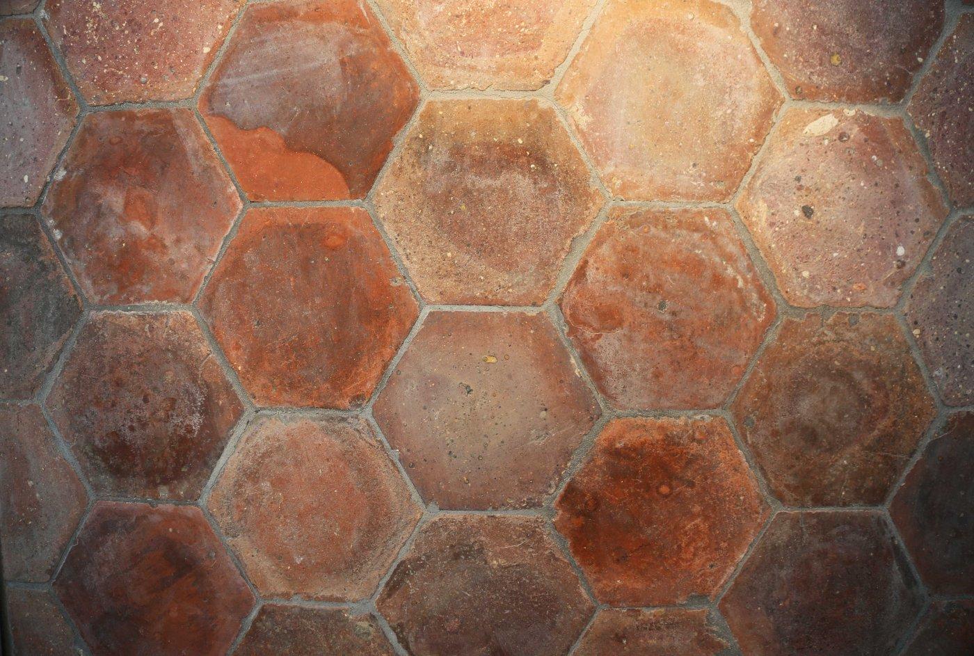 Fußboden Fliesen Rot ~ Rot braune sechseckige fliesen ref t hexagon bodenfliesen
